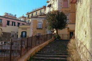 בתים עתיקים למכירה